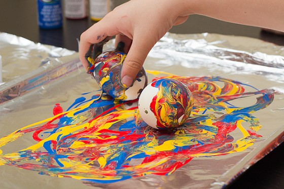 crayon melting and painting eggs for easter art for kids hub. Black Bedroom Furniture Sets. Home Design Ideas